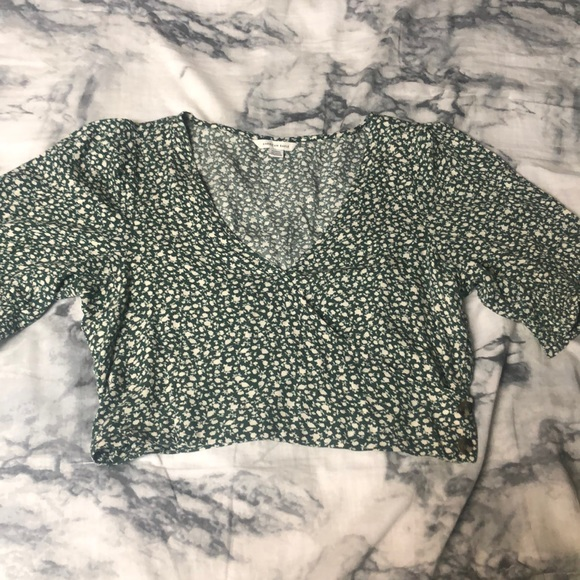 American eagle cropped floral tee